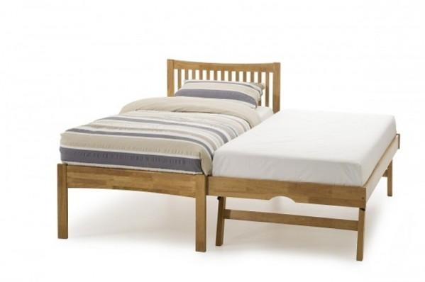 Mya oak bed